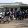 Des jeunes supporters des Panthères réclament des billets gratuits à Libreville